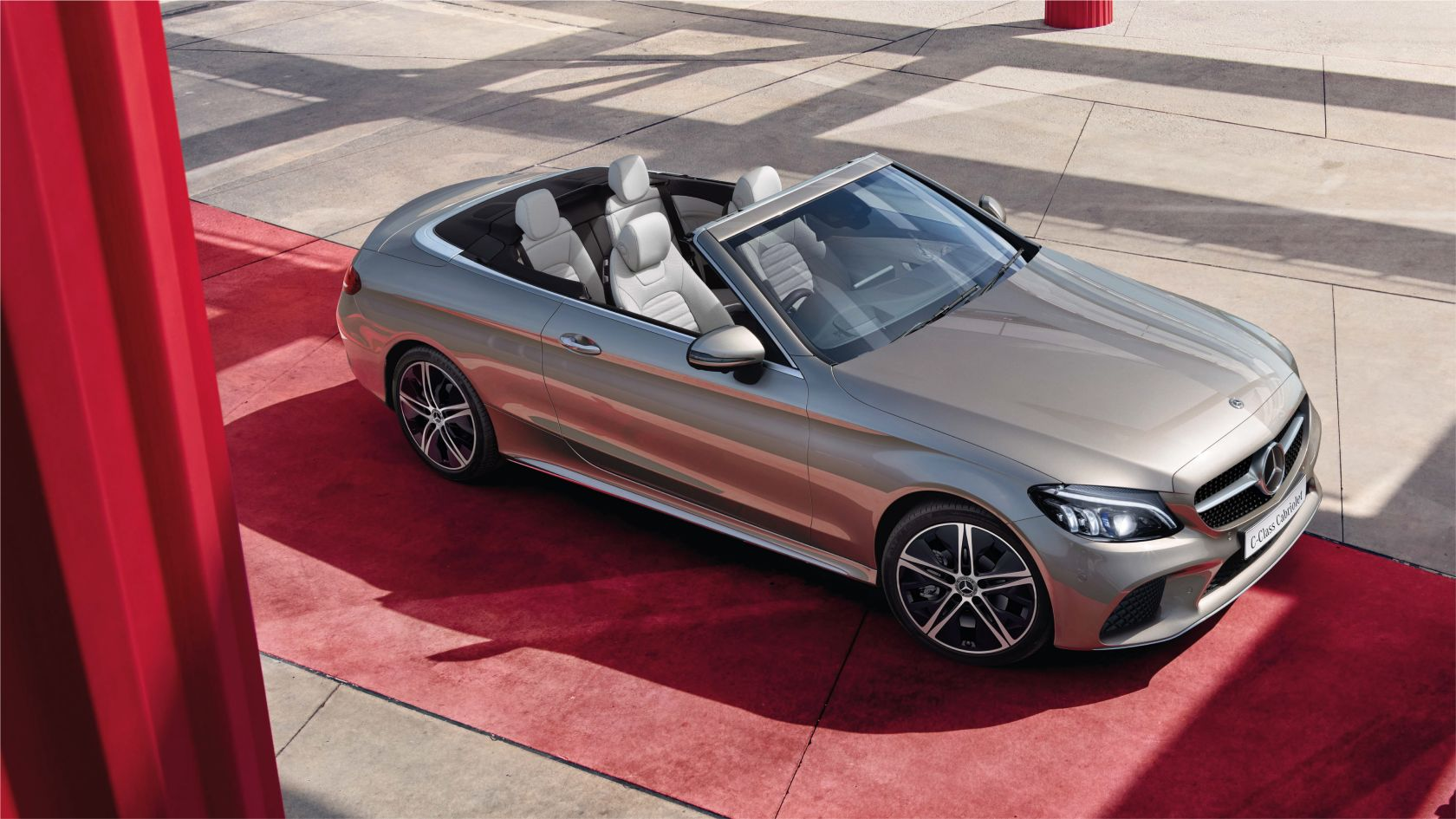 Mercedes Benz C Class Cabriolet Experience The Vehicle