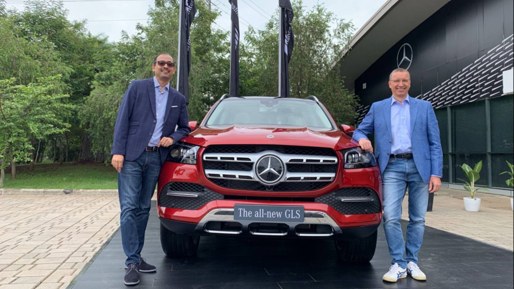 Mercedes Benz India Launches Its Largest Most Luxurious Suv The New Gls The S Class