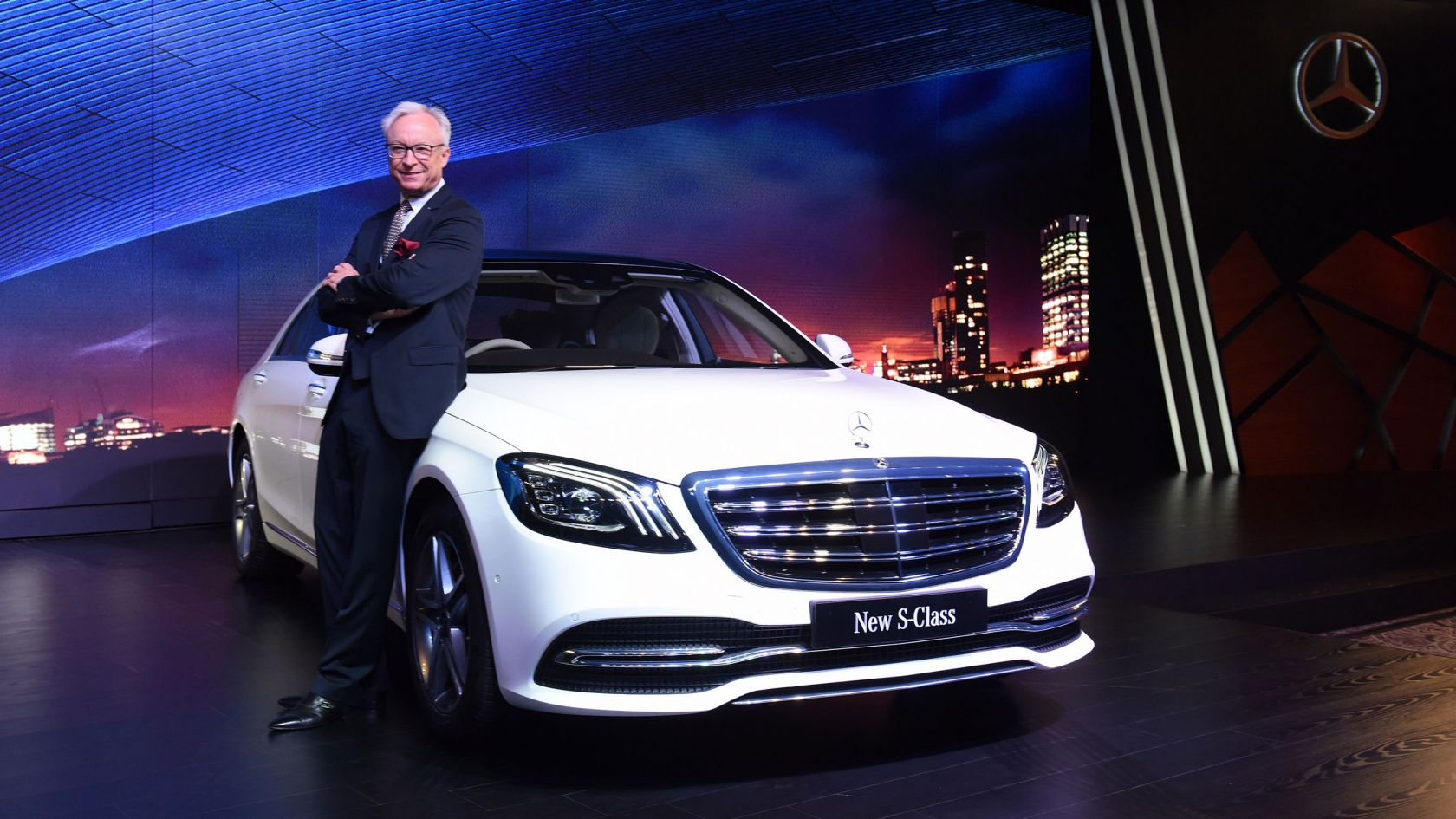 Mercedes Benz Launched the Enhanced Version of Its Flagship